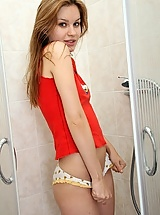 Pretty teenager showering snatch